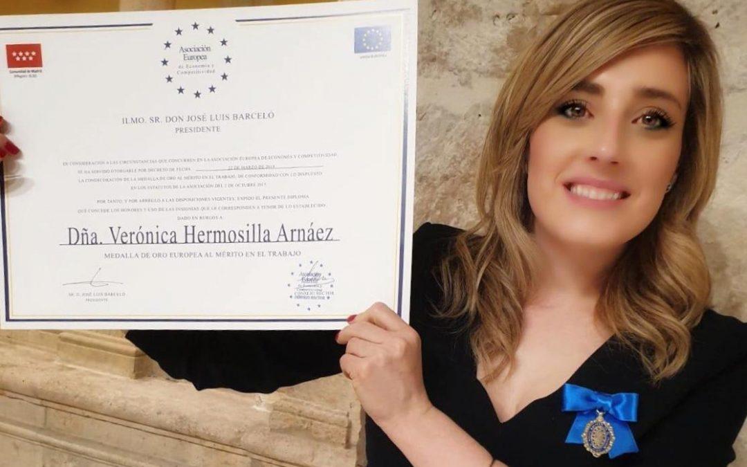 Medalla de oro al mérito en el trabajo por la Asociación Europea de Economía y competitividad.